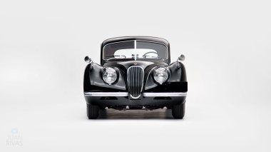 1952-Jaguar-XK-120-Studio-010