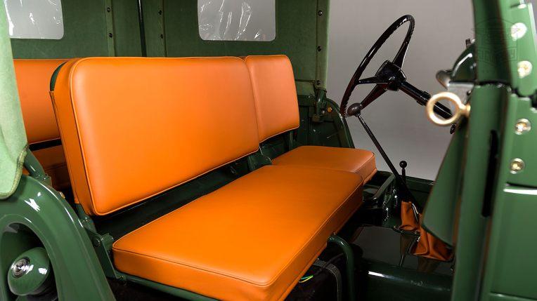 1960-Toyota-Land-Cruiser-FJ25-Army-Green-FJ25-21422-Studio_034