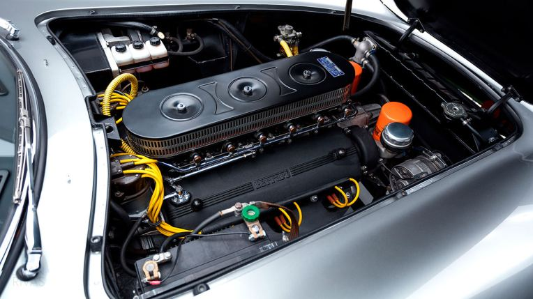 1965-Ferrari-275-GTB,-Alloy,-6-carb,-long-nose,-LHD-Studio-035