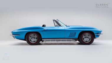1967-Chevrolet-Corvette-StingRay-SkyBlue--194677S109007-Studio_004