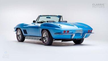 1967-Chevrolet-Corvette-StingRay-SkyBlue--194677S109007-Studio_006