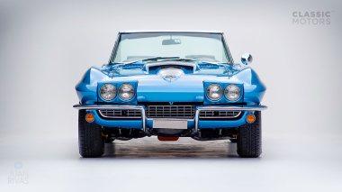 1967-Chevrolet-Corvette-StingRay-SkyBlue--194677S109007-Studio_009