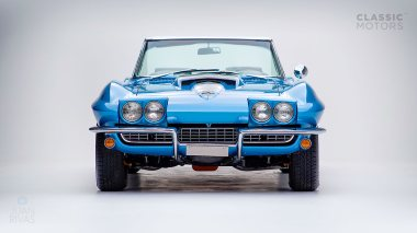 1967-Chevrolet-Corvette-StingRay-SkyBlue--194677S109007-Studio_009