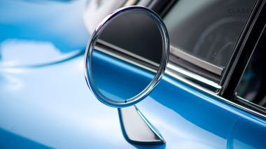 1967-Chevrolet-Corvette-StingRay-SkyBlue--194677S109007-Studio_015