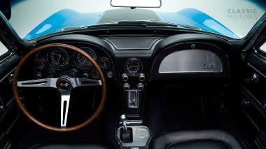 1967-Chevrolet-Corvette-StingRay-SkyBlue--194677S109007-Studio_021
