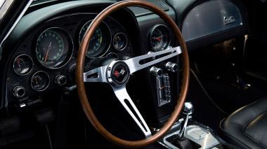 1967-Chevrolet-Corvette-StingRay-SkyBlue--194677S109007-Studio_022