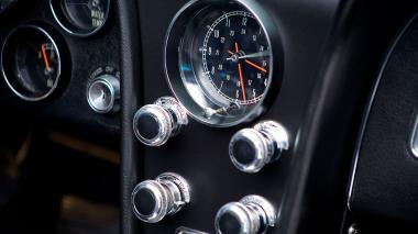 1967-Chevrolet-Corvette-StingRay-SkyBlue--194677S109007-Studio_028