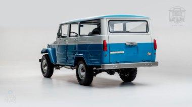 1967 FJ45-26319 Capri Blue White WP-002