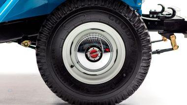 1967 FJ45-26319 Capri Blue White WP-007
