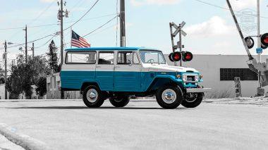 1967 FJ45-26319 Capri Blue White WP-014