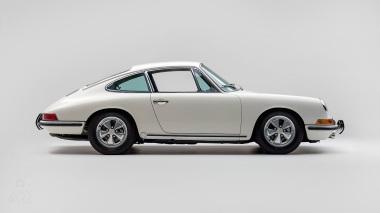 1967-Porsche-911-S-Ivory-White-308397S-Studio_002