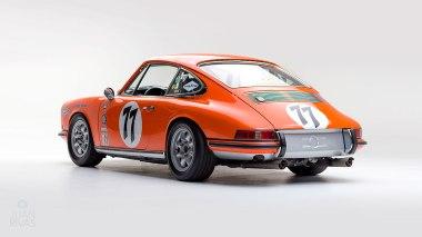 1968-Porsche-911S-Race-Car-Tangerine---Silver-Studio_004