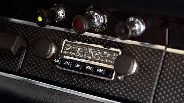 1968-Porsche-911S-Race-Car-Tangerine---Silver-Studio_034