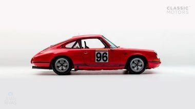 1969-Porsche-911-Race-Car-Polo-Red-119301377-Studio_001
