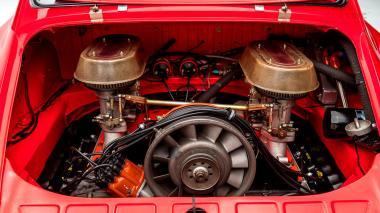 1969-Porsche-911-Race-Car-Polo-Red-119301377-Studio_039