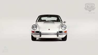 1969-Porsche-911T-White-119120823-Studio-008
