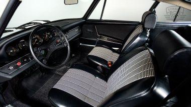1969-Porsche-911T-White-119120823-Studio-021