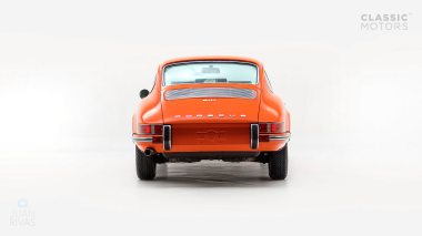 1970-Porsche-911T-Tangerine-9110101579-Pre-Studio-004