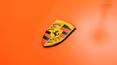 1970-Porsche-911T-Tangerine-9110101579-Pre-Studio-009