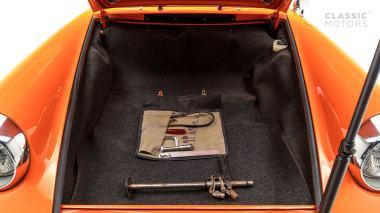 1970-Porsche-911T-Tangerine-9110101579-Pre-Studio-046