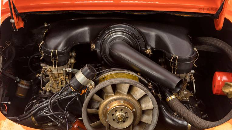 1970-Porsche-911T-Tangerine-9110101579-Pre-Studio-051