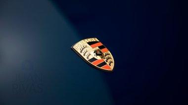 1965-Porsche-911-Bali-Blue-300278-Studio-009