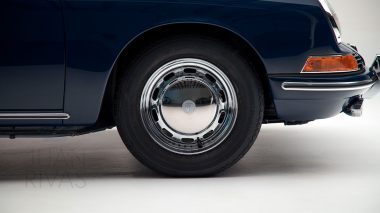 1965-Porsche-911-Bali-Blue-300278-Studio-018