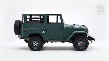 1967-FJ40-51148--Green-FAD-730---Robert-Jordan-(Canepa)-Studio_002