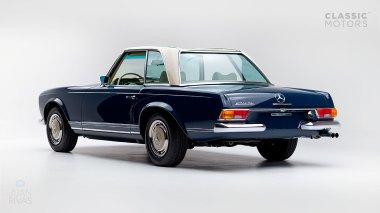 1968-Mercedes-Benz-280-SL-Pagoda-Blue-113044-10-002012-Studio_005