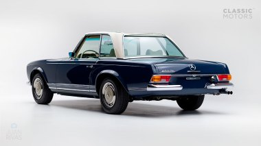 1968-Mercedes-Benz-280-SL-Pagoda-Blue-113044-10-002012-Studio_005