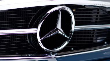 1968-Mercedes-Benz-280-SL-Pagoda-Blue-113044-10-002012-Studio_010