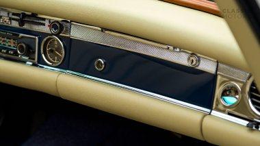 1968-Mercedes-Benz-280-SL-Pagoda-Blue-113044-10-002012-Studio_035
