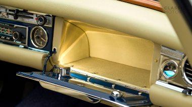 1968-Mercedes-Benz-280-SL-Pagoda-Blue-113044-10-002012-Studio_036