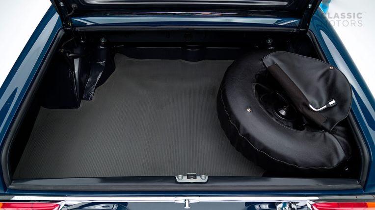 1968-Mercedes-Benz-280-SL-Pagoda-Blue-113044-10-002012-Studio_055