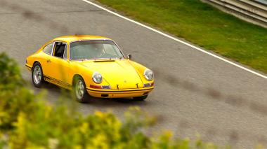 1968-Porsche-911-Race-Car-Yellow-11835003-LimeRock-055