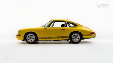 1968-Porsche-911-Race-Car-Yellow-11835003-Studio_004