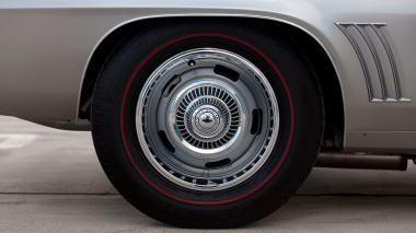 1969-Chevrolet-Camaro-Z28-Silver-124379N637338-Outdoors-021