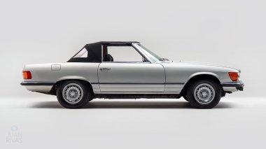 1971-Mercedez-Benz-350-SL-Studio-002