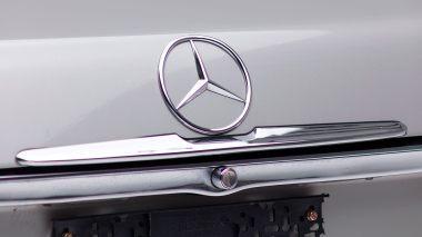 1971-Mercedez-Benz-350-SL-Studio-011