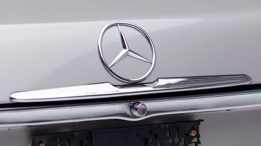 1971-Mercedez-Benz-350-SL-Studio-011