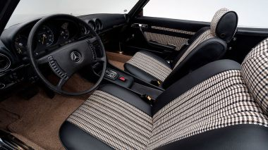 1971-Mercedez-Benz-350-SL-Studio-023