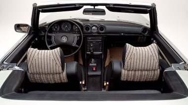 1971-Mercedez-Benz-350-SL-Studio-025