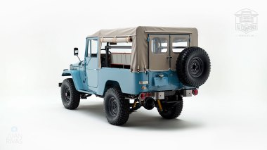 The-FJ-Company-1970-FJ43-Land-Cruiser-Capri-Blue-20365-Studio_005