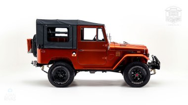 The-FJ-Company-1972-FJ44-Land-Cruiser---Metallic-Orange-126414----Studio_002