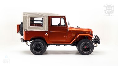 The-FJ-Company-1972-FJ44-Land-Cruiser---Metallic-Orange-126414----Studio_010