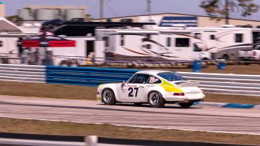 1967-Porsche-911-Bahama-Yellow-908038-Sebring-Track-Test-397