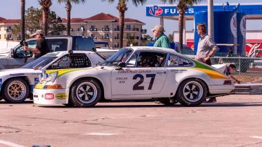 1967-Porsche-911-Bahama-Yellow-908038-Sebring-Track-Test-530