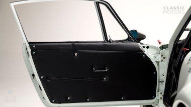 1967-Porsche-911-Bahama-Yellow-908038-Studio-026