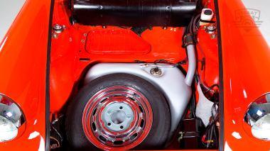1970-Porsche-911T-Tangerine-9110121262-Studio_025