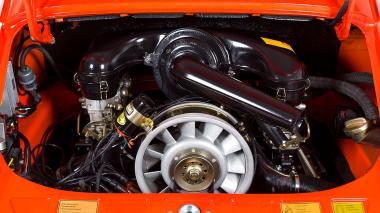 1970-Porsche-911T-Tangerine-9110121262-Studio_027